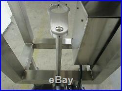 Hugger Belt Side Grip Transfer Conveyor For Bottom Coding