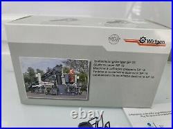 Wirtgen SP 15 Slipform Paver with Belt Conveyor NZG 150 Scale Model #807 New